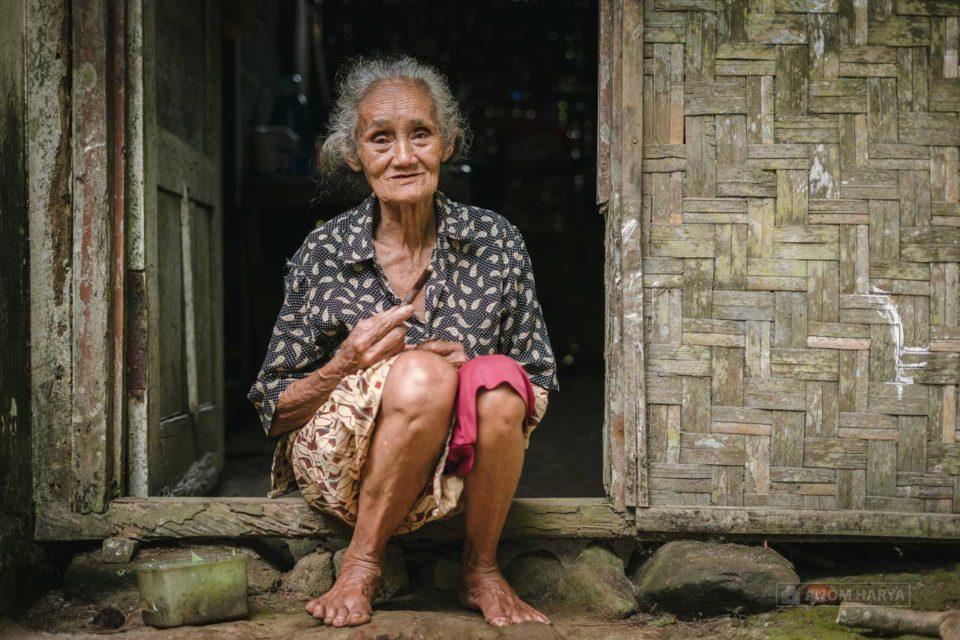 Mbah Tumbu dari Pronojiwo Lumajang