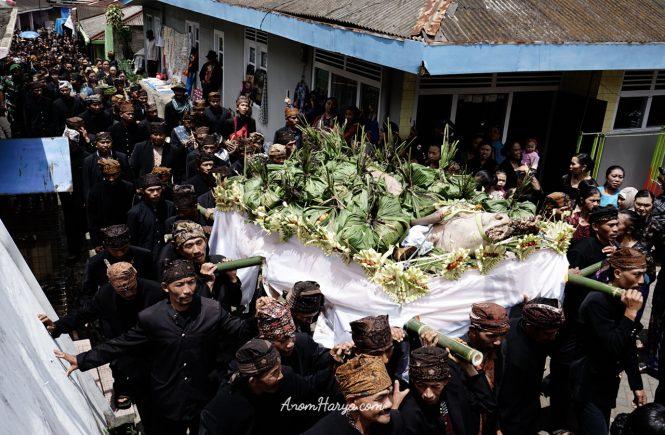 Ritual Unan - unan di Bromo