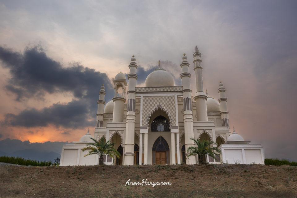 Sunset di Salman Al Farisi