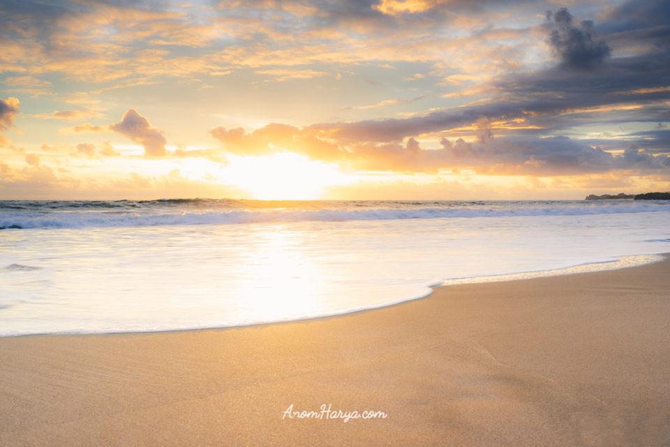 Sunset di Pantai Nganteb
