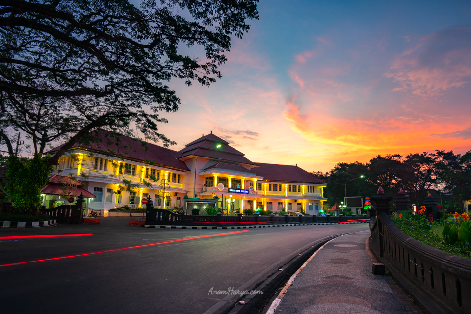 Sunset di Balaikota Malang