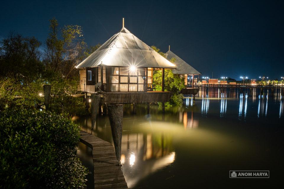 Resort Mewah di Bee Jay Bakau Resort
